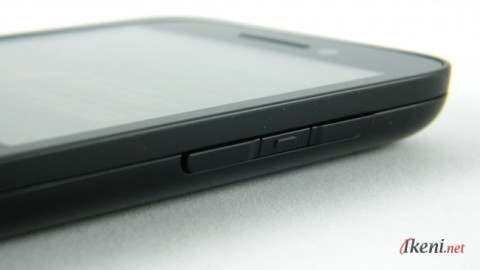 Blackberry Q5 Body 3