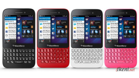 Blackberry Q5 Colors