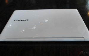 Samsung ATIV Book 9 Lite [gbr 1]