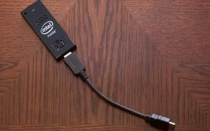 Komputer Mini Intel Compute Stick [gbr 4]
